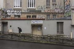 . (Le Cercle Rouge) Tags: paris france ruedemnilmontant 75020 graff graffitis flop style tags streetart painters