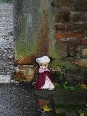 Sansa at the entrance of Rivalta's Castle