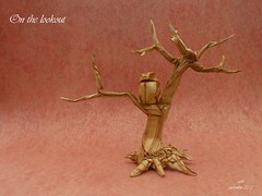 on the lookout (-sebl-) Tags: elephant tree paper origami lookout mc hide owl meditation sebl