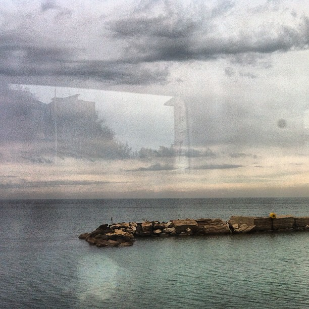 Il mare dal treno.