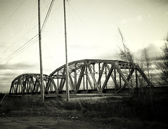 Old Bridge (coldwar_bonnet) Tags: 50views lomofake pentaxzoom90