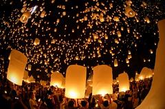 Yi Ping Lantern Festival Mass Launch (Greg - AdventuresofaGoodMan.com) Tags: nightphotography festival night thailand fire candles lanterns chiangmai loykrathong loikrathong yiping khomloi maejouniversity hotairlanterns lannadhutanka
