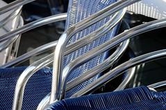 GE Lingen; Gestapelte Stahlrohr-Stühle der ehemaligen Mensa-Terrasse (6) (Chironius) Tags: lingen emsland germany deutschland niedersachsen allemagne alemania germania германия stahlrohr stahl sitzmöbel