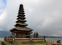 Pura Ulun Danu Beratan (whyyan) Tags: bali lake indonesia hindutemple bedugul candikuning