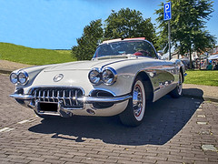 Vette (enneafive) Tags: chevrolet corvette 19591960 oldtimer renesse sky blue white vette cabrio convertible green grass parking shadow sun reflection chrome