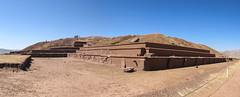"""Tiwanaku: la pyramide dont les pierres ont été pillées par les Espagnols pour construire des églises <a style=""""margin-left:10px; font-size:0.8em;"""" href=""""http://www.flickr.com/photos/127723101@N04/28706683035/"""" target=""""_blank"""">@flickr</a>"""