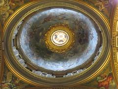 Rome: St. Peter's Basilica - Side Cupola (escriteur) Tags: img5447 rome roma saintpetersbasilica stpetersbasilica basilicadisanpietro vaticancity piet chapel cupola
