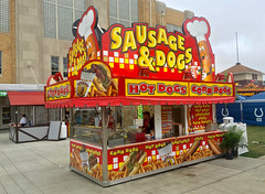 Sausage & Dogs concession (mrgraphic2) Tags: indianapolis indiana 2016 sausage concession statefair fair trailer cute