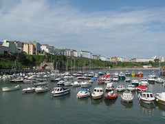 Tenby Harbour (pefkosmad) Tags: tenby pembrokeshire wales cymru holiday vacation vacances uk seaside town recreation leisure harbour