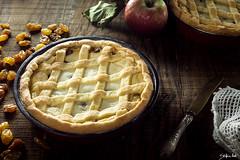 Crostata di ricotta (lanaebiscotti) Tags: pie ricotta frolla crostata cake delicious white apple mele raisin wood torta dolce merenda dessert