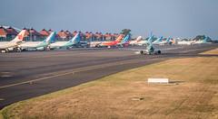 Vol Doha DOH - Bali Denpasar DPS (SebastienToulouse) Tags: avion boeing 777 777300 qatar airways bali denpasar doha ciel sunset nuages mer ile