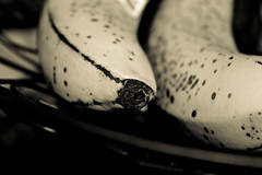 Platano (@Hug0Valentin) Tags: blancoynegro nature fruit canon rebel blackwhite creative platano platanos thegalaxy flickrstruerefl