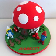 (Ultimatecakeart) Tags: birthday london cake greenwich papa smurf smurfs surfette ultimatecakeart