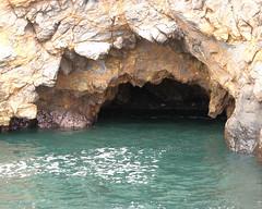 056 Portuguese Bend Sea Cave (saschmitz_earthlink_net) Tags: california cliff beach hiking rocky hike pacificocean inspirationpoint 2012 seacave ranchopalosverdes palosverdespeninsulalandconservancy palosverdesnaturepreserve abalonecovereserve archerycoastaltrail