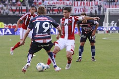 River vs. Unin VI (peretti) Tags: santafe argentina football buenosaires soccer afa ftbol riverplate unin aliento goles estadiomonumental hinchada primeradivisin fotografadeportiva federicoperetti canon7d