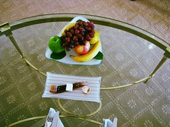 The Peninsula, Beverly Hills (Dan_DC) Tags: california travel apple fruit losangeles lemon silverware stock plate banana etiquette business commercial grapes license editorial beverlyhills coffeetable society luxury centurycity hotelroom rf carpeting conformity perk glasstable imagebank protocol formality worldtravel civilized peninsulahotel royaltyfree amusebouche checkingin rarefied fringebenefits luxurytravel travelinginstyle cordiality flatfee travelingfirstclass premiumtravel
