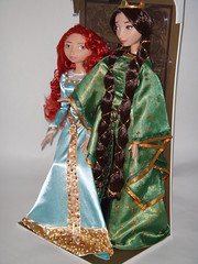 LE Merida and Queen Elinor 17'' Doll Set - First Look - Deboxing - In Diorama - Full Right Front View (drj1828) Tags: doll princess personal photos disney queen merida pixar brave limitededition disneystore elinor poseable deboxing
