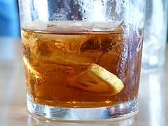 Hmmm (JoG123) Tags: macro ice tea verano te cristal helado hielo vaso icetea limon nestea refreso