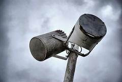 you listen (chipsmitmayo) Tags: sea sky strand nikon alt lautsprecher rusty baltic promenade worn speaker ostsee hdr kaputt khlungsborn anlage d80