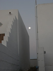 moon set (the incredible how (intermitten.t)) Tags: espaa moon menorca baleares minorca balearicislands illesbalears 9524 01102012