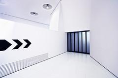 ►>> ||||| (Dennis_F) Tags: door white black lines museum zeiss lights doors bright stuttgart sony elevator wide direction porsche architektur arrow fullframe dslr ultra tür schwarz ssm lichter aufzug türe 1635 uwa weitwinkel pfeil weis ultrawideangle uww a850 163528 sonyalpha sonydslr vollformat zeiss1635 sal1635z cz1635 sony1635 dslra850 sonya850 sonyalpha850 alpha850 sonycz1635
