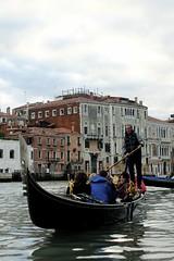 Gondoleiro (Magerson) Tags: trip travel venice italy veneza europa europe frias viagem gondola venezia itlia gndola gndolas novembro2012