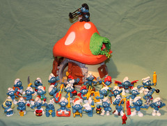 Nostalgi med Smurfar (auzgos) Tags: smurfs svamp nostalgi blå smurfarna smurfer smurfar fotosondag fs121202