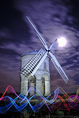 Light Painting @ Chesterton Windmill (JRT ) Tags: old longexposure light sky moon lightpainting cold building night clouds stars lights nikon bricks tripod sails freezing icon luna fullmoon cablerelease chestertonwindmill nuttyboys d300s nightnutters lenserv24 johnwarwood