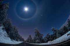 Double Halo Lunar 2 APOD (NASA) (danicaxete) Tags: earthandspace peopleandspace competition:astrophoto=2013