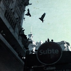 Pigeon Station II (Callao) #bsas #buenosaires (EuCamaleoni) Tags: city argentina square buenosaires metro pigeon paloma squareformat subte callao iphoneography instagramapp uploaded:by=instagram pigeonstation