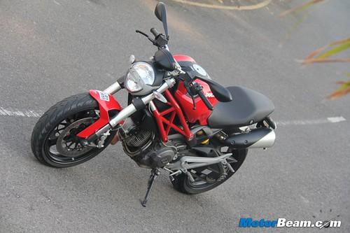 Ducati-Monster-795-11