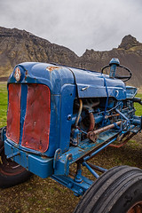 Iceland (SpechtPhotodesign) Tags: island iceland traktor tractor hkarl htte rusty nostalgie nostalgic cloudy wolkig wolken overcast bewlkt rostig fermentierterhai westfjorde westfjords