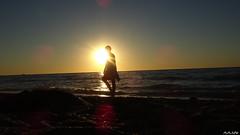 Promenade (cadmanilameer) Tags: mer couch de soleil nature normandie sony