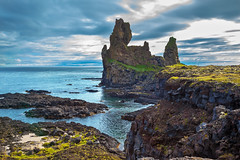 (Voyages Lambert) Tags: travel stoneobject coastline grass scenics yellow greencolor pattern attheedgeof north nature iceland moss summer rockobject basalt island peninsula fjord lava pinnacle landscape cloudsky atlanticocean sea feature skerries