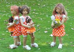 Kindergartenkinder ... (Kindergartenkinder) Tags: outdoor kind gruppenfoto personen garten park kindergartenkinder annette himstedt dolls sanrike leleti milina annemoni