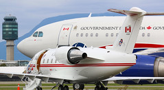 CC-144 CC-150 (kentmatthiesen) Tags: government canada vip jets cc144 challenger 144618 cc150 polaris 15001 canforce one cyvr