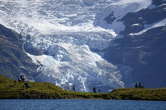 between Lake and Glacier ... (JohannesMayr) Tags: alps gletscher glacier schweiz switzerland bachalpsee see lake snow schnee mountain berg kanton bern grindelwald alpen tele telephotolens telephoto lens teleobjektiv overlook aussicht first