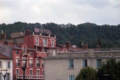Hotel Bristol, Le-Puy-en-Velay (FlorisJRot) Tags: lentille le puy en velay lepuyenvelay analogue analog old film rouge red bristol hotel tourist toerist petri gx 1 fujifilm fuji superia 200