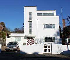 Bauhaus: Twickenham (Curry15) Tags: 1930s explore bauhaus middlesex stmargarets twickenham tw1 alongthethames 46ailsaroad