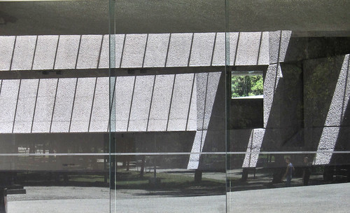 "Museos Tamayo 03 • <a style=""font-size:0.8em;"" href=""http://www.flickr.com/photos/30735181@N00/8199476113/"" target=""_blank"">View on Flickr</a>"