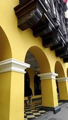 Balcones y arcos (vcastelo) Tags: plaza lima armas centro per arcos balcones sudamrica
