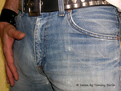 Typen1119 (Tommy Berlin) Tags: men jeans levis bulge