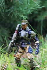 Halo 3 series 5: Sgt. Avery Johnson (Kos the RoBot) Tags: 3 game toys video action johnson halo microsoft figure series wars avery industries sgt spartan 343 mcfarlane odst
