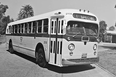 Metropolitan Coach Lines, No. 201 (ROGALI) Tags: california bus gm 1956 westcoast omnibus guagua oldbus gmbus metropolitancoachlines americanbusd tdh4515