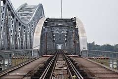 Symmetry (Debatra) Tags: westbengal easternrailway sealdahdivision sdahdivision indianrailways india bridge sampreeti sampreetibridge jubilee jubileebridge bengal calcutta kolkata hwhdivn howrahdivision nikon d3300 1855 1855mm symmetry hooghly ganges