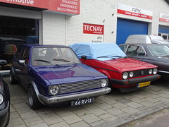 66-RV-12 Volkswagen Golf GL (geel) Deventer (willemalink) Tags: 66rv12 volkswagen golf gl geel deventer