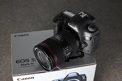 Unbox Canon 5D IV (Kent Yu) Tags: unbox canon 5d iv