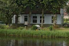A House in Broek-In-Waterland (elhawk) Tags: northholland broekinwaterland
