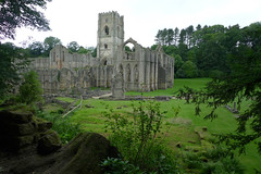 Fountains Abbey (Jeff Coles www.mysnapz.co.uk) Tags: fountains abbey water gardens nt