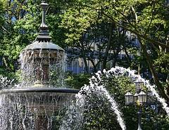 Fountain (pjpink) Tags: cityhallpark park fountain cityhallparkfountain water splash manhattan nyc newyork newyorkcity ny urban city june 2016 summer pjpink